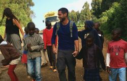 Korazón Solidario en Kenia andando